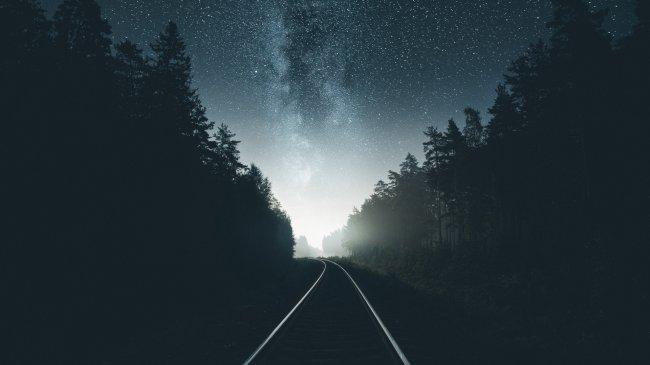 Ночная железная дорога