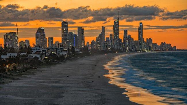 Пляж Сёрферс-Парадайз, Голд-Кост, Австралия