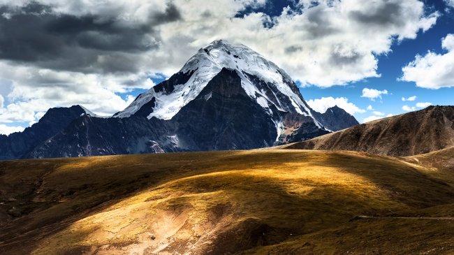 Гора Кайлас в Китае