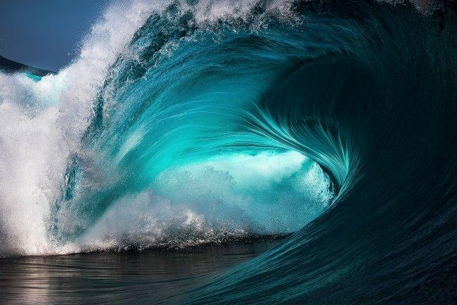 Большая океанская волна
