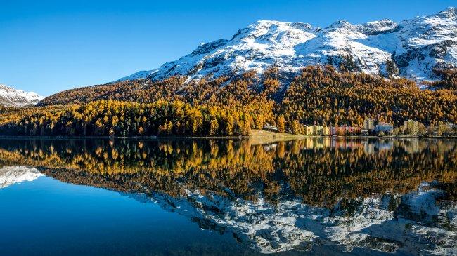 Озеро Санкт-Мориц в Швейцарии