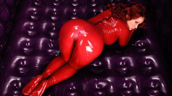 Красные волосы девушка в красном