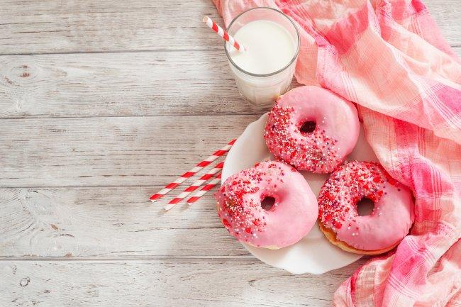 Пончики с молоком
