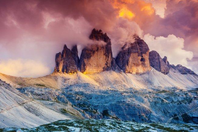 Горный массив Тре Чиме ди Лаваредо в Италии