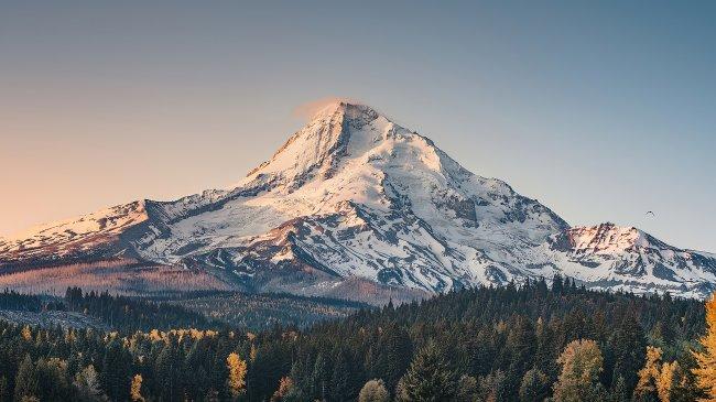 Стратовулкан Маунт-Худ в Орегоне, США