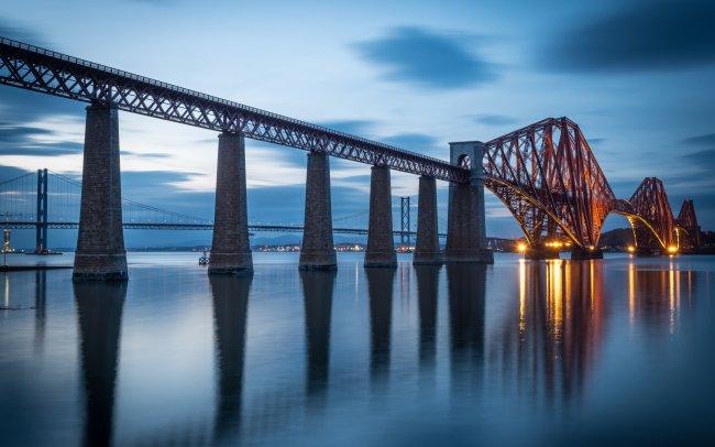 Консольный мост Форт-Бридж в Великобритании