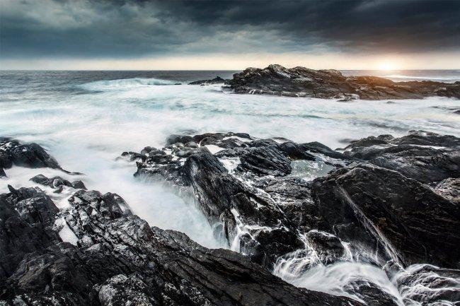 Скалистый берег на острове Рунне в Норвегии