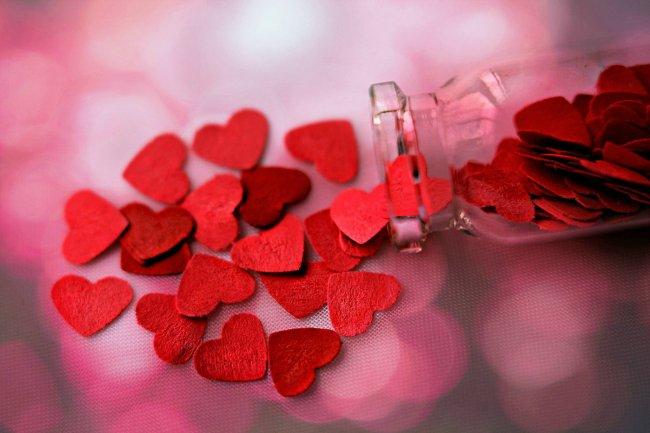 Баночка с войлочными сердечками