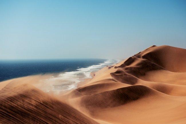 Пустыня Намиб вдоль побережья Атлантического океана