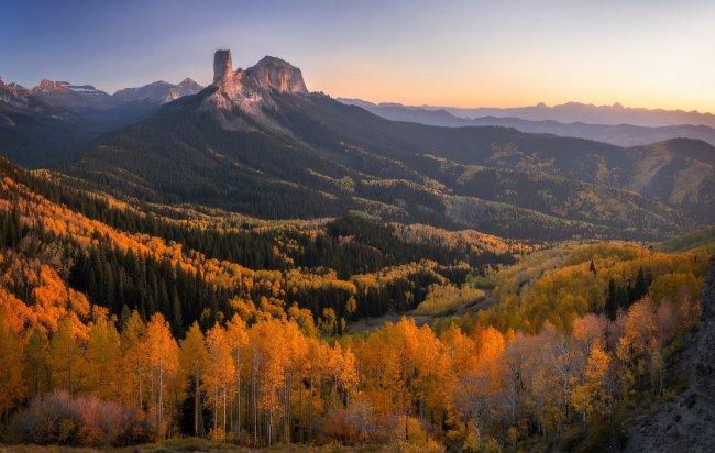 Перевал Оул Крик Пасс в цвете осени, Колорадо, США