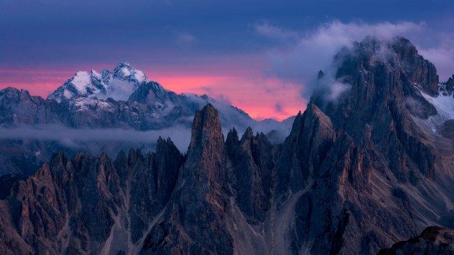 Группа гор в восточных Доломитовых Альпах, Италия