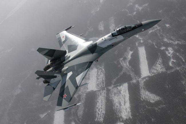 Истребитель-бомбардировщик Су-27