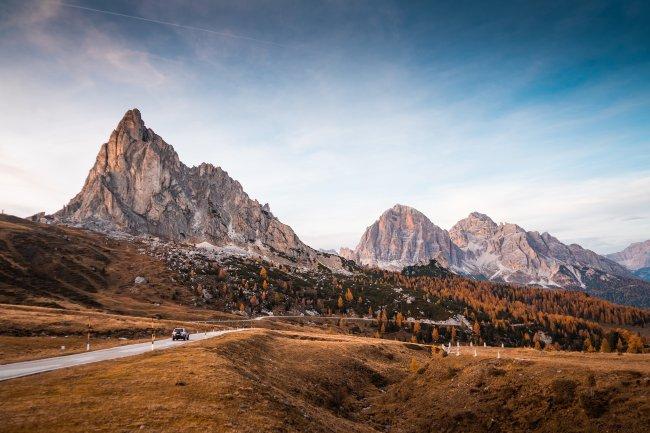 Альпийские дороги на Пассо-ди-Джау, Доломиты, Италия